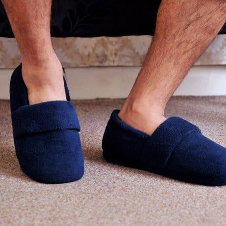 snugtoes-heated-slippers-him